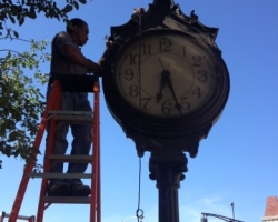 street_clock_west_orange_3